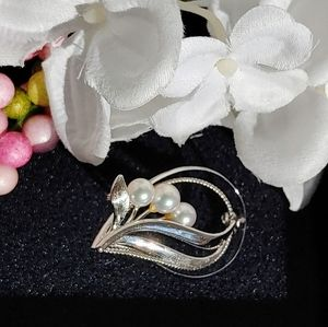 Vintage Silver and Perle Brooch